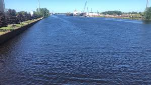 USACE, Marinette Marine to Explore Deepening River Channel