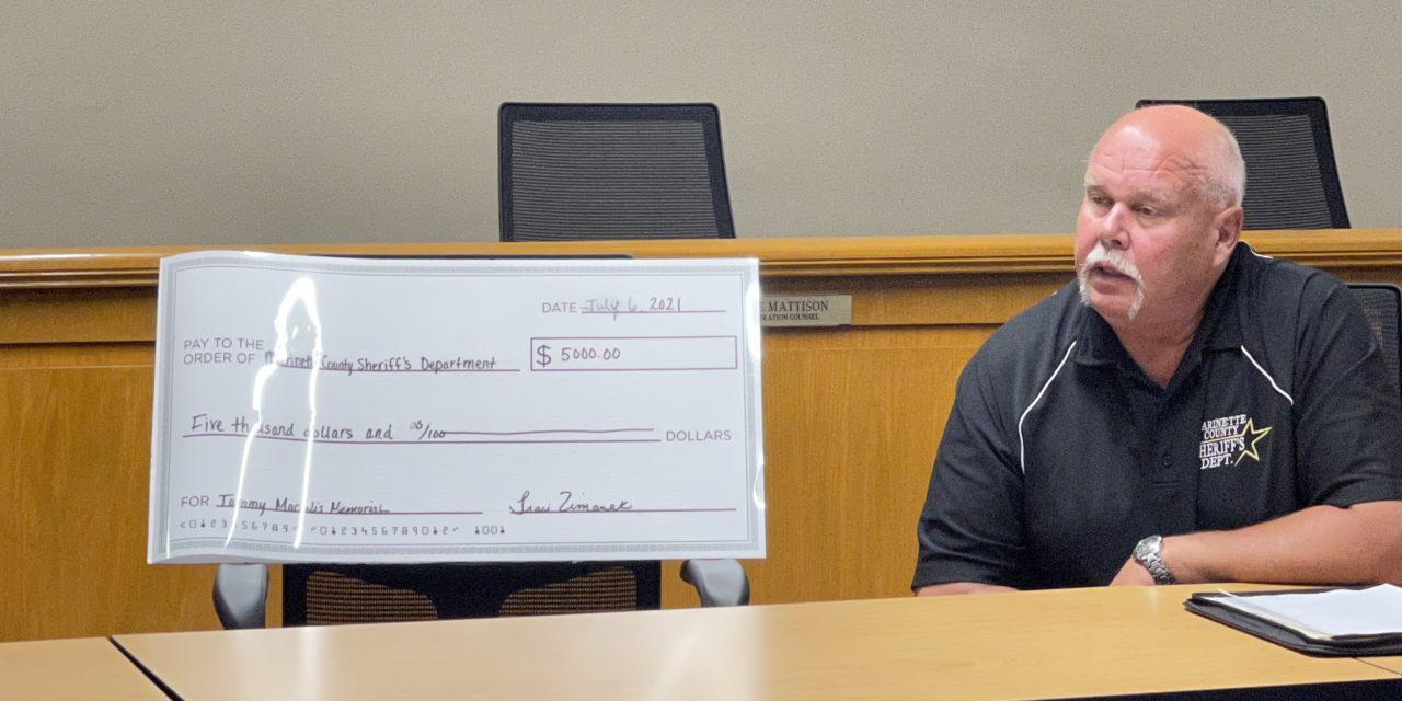 Marinette County Sherriff's Department receives donation.