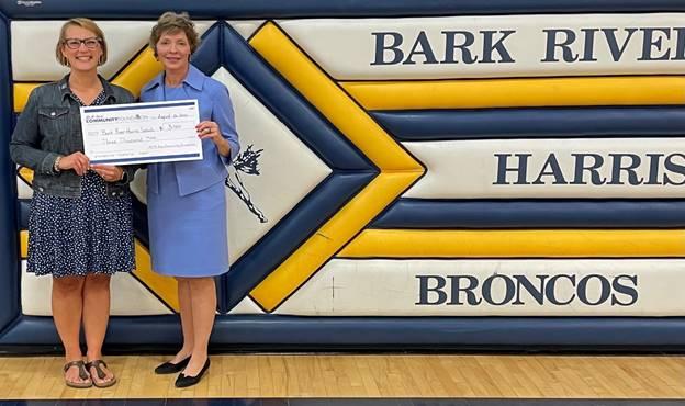 Bark River-Harris Schools receives grant from M&M Community Foundation